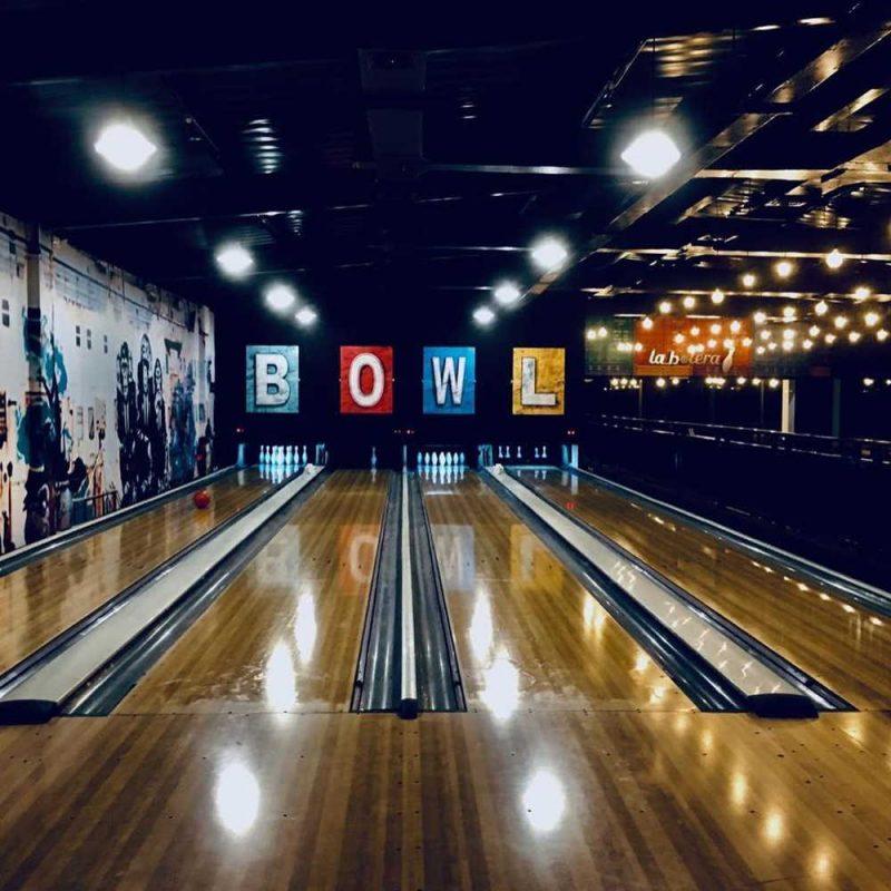 bowling manta ecuador nightlife