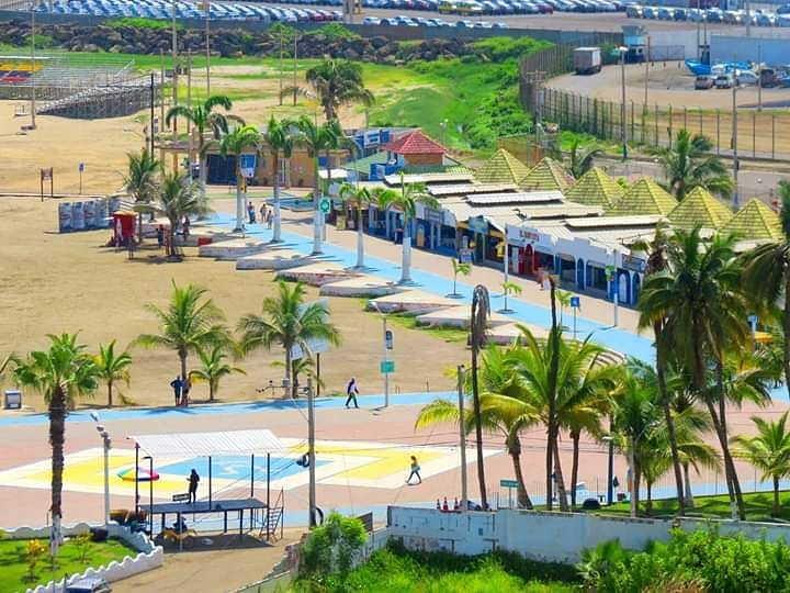 manta beach maleccon ecuador