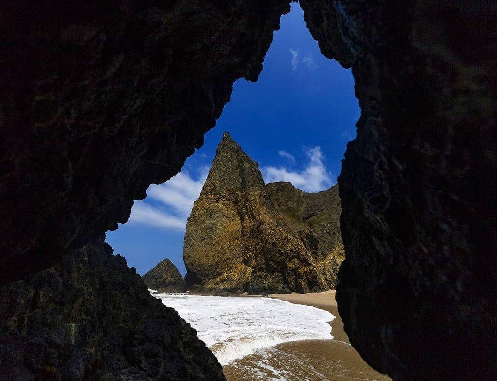 Manta Ecuador Beach cave in San Lorenzo