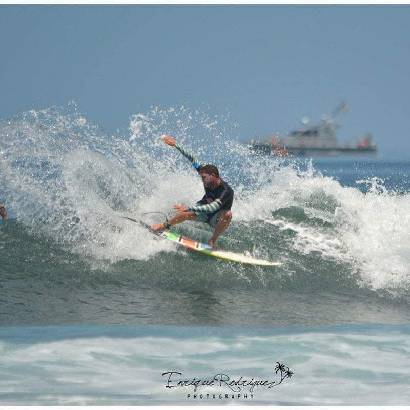 manta ecuador surf